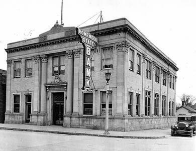 19. Homewood State Bank, built in 1925, at 2034 Ridge Road.